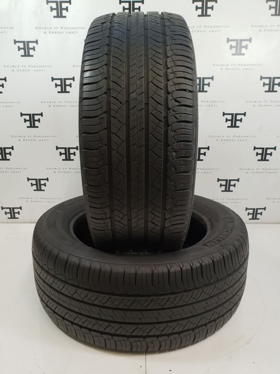 235/55 R17 99 H MICHELIN LAT. TOUR HP